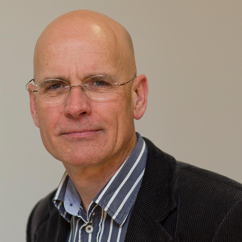 Portrait von Clive Hamilton