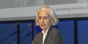 Irene Meissner bei ihrem Vortrag im Rahmen des Frei Otto Symposiums