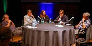 Five persons on the panel at the event »Flusser-Talks«