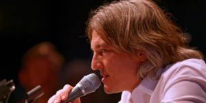 Man with microphone: Marcel René Marburger