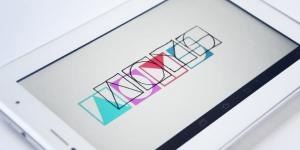 Tablet on which the logo of ArtOnYourScreen can be seen