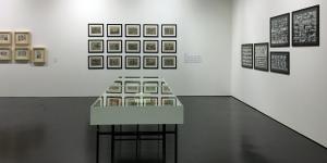 Blick in die Ausstellung »Nanni Balestrini. Wer das hir liest braucht sich vor nichts mehr zu fürchten«