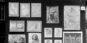 Panel 32 of the Mnemosyne Bilderatlas: Black board with photographs of different artworks