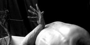 Erinnerungen der Haut eine Tanzperformance von Piotr Tomczyk