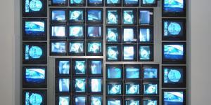 "Installationsansicht ""Nam June Paik: Internet Dream"""