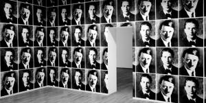 Porträts auf Wand