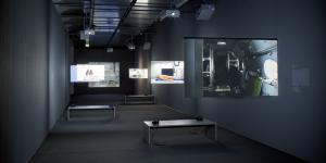 Exhibition view Maschinevision. Six projections on hanging screens of different sizes.