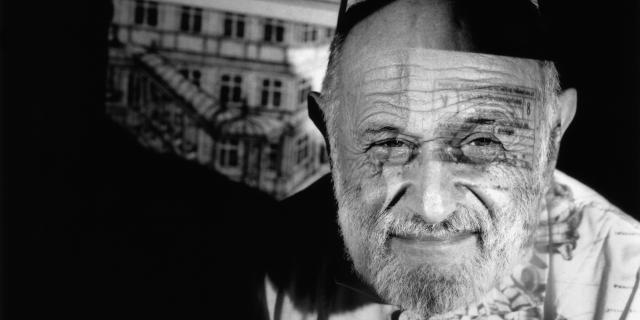 Schwarzweißfotografie zeigt Porträt von Vilém Flusser