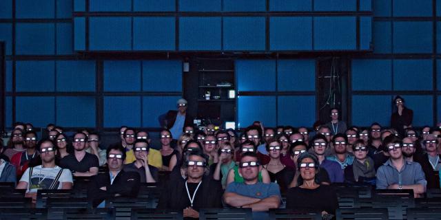 Publikum beim 3D Screening in der Medialounge