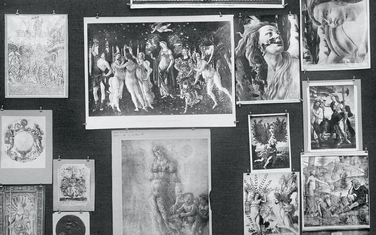 Historical photograph of Aby Warburg's image panels at the Hamburg library
