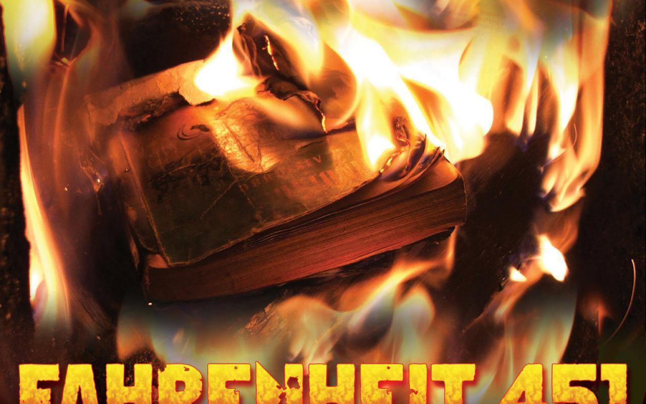 Ein Buch steht in Flammen