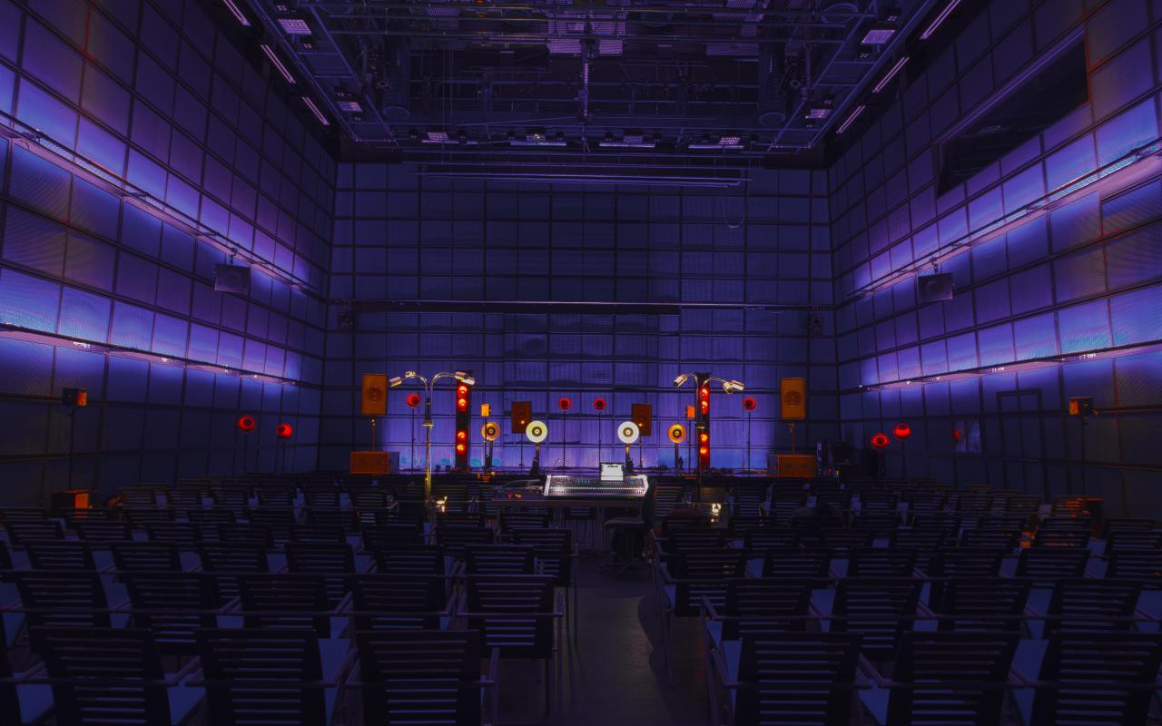 Medientheater bespielt