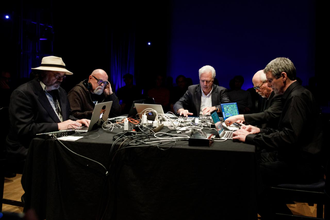 Präsentation der Giga-Hertz-Hauptpreisträger 2018 »The Hub«