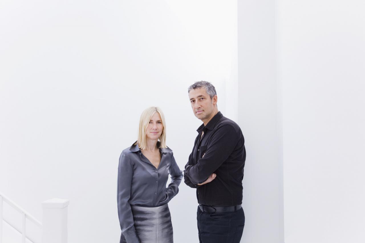 Portrait des Architektenduo Hani Rashid und Lise Anne Couture