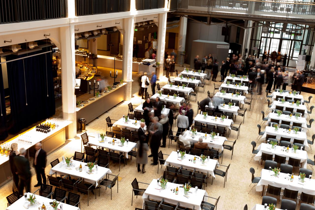 The restaurant at ZKM_Foyer with festively decorated tables