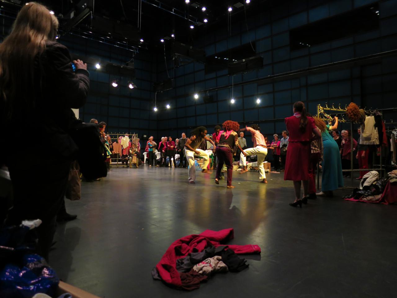 Performance im ZKM_Medientheater