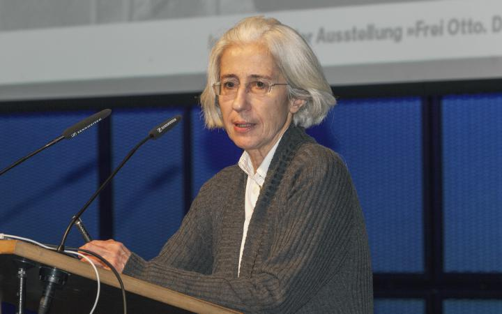 Irene Meissner at her presentation at the Frei Otto Symposium