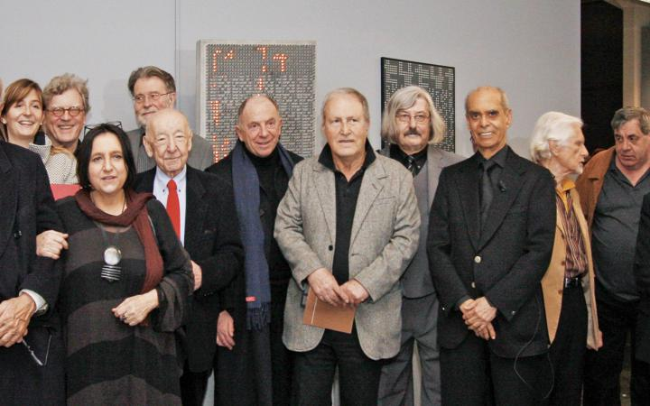 A group photo with the artists of the exhibition »bit international«.