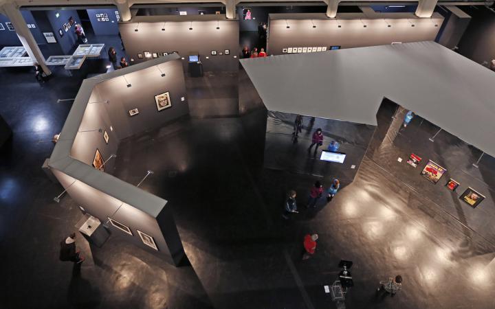 Ausstellungsansicht Lynn Hershman Leeson. Civic Radar