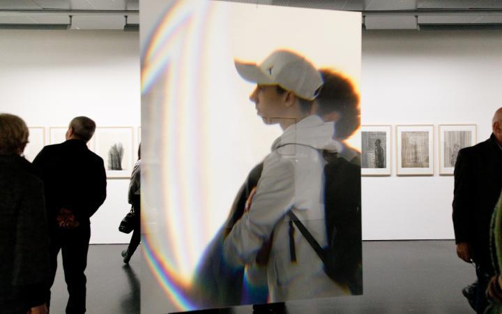 Spiegelflächen in der Ausstellung »Dieter Jung. Between and Beyond«