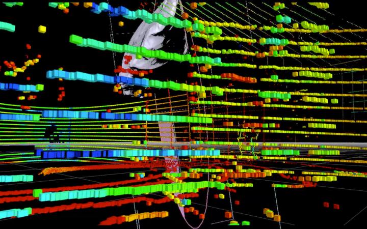 Grafische Anordnung farbiger Blöcke in einer Linienstruktur in einem schwarzen Raum