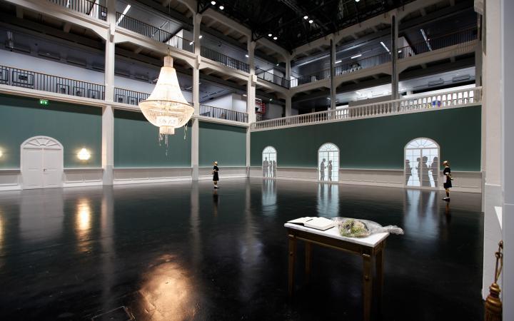 Ausstellungsansicht Elmgreen & Dragset