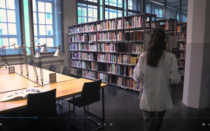 Screenshot aus dem Bibliotheksfilm