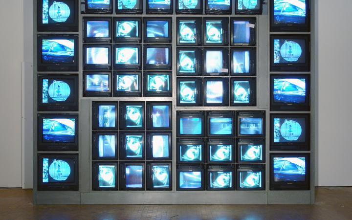 "Installationsansicht ""Nam June Paik: Internet Dream"""