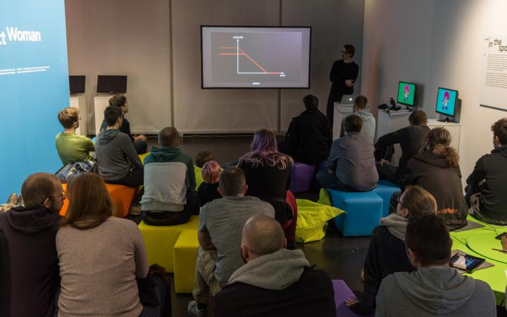 Talk & Play in der Gameplay-Ausstellung