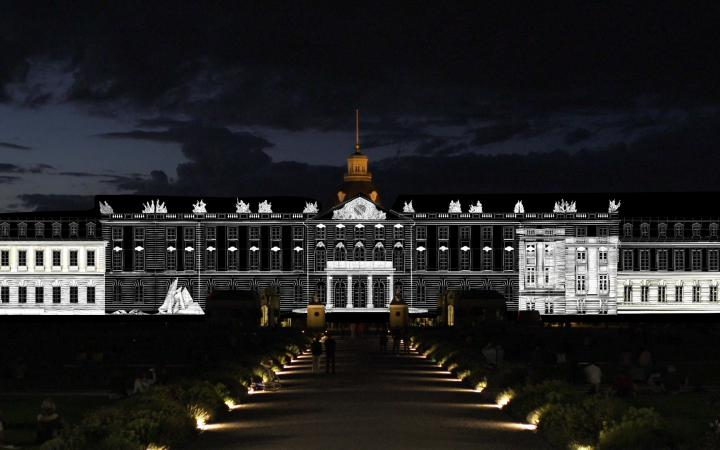Videoprojektionen auf dem Karlsruher Schloss