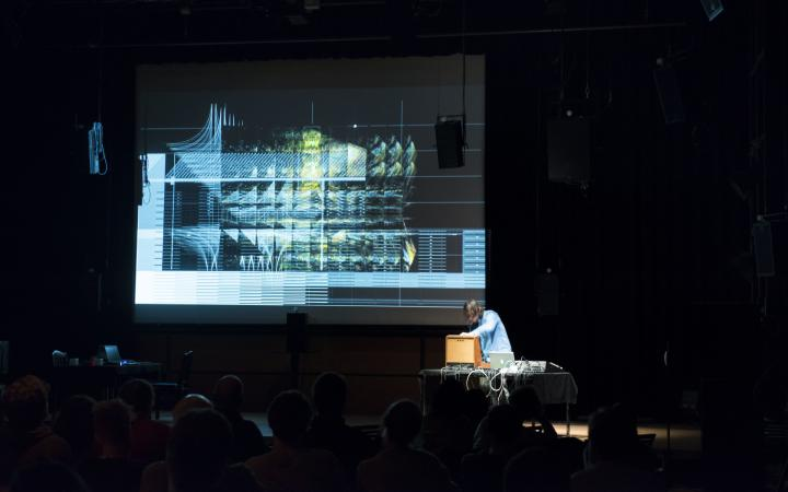 Insonic 2018 Performance »Hidden Forest« von Mark Pilkington