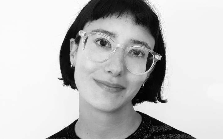 Schwarz-Weiß Portrait von Lili Carr
