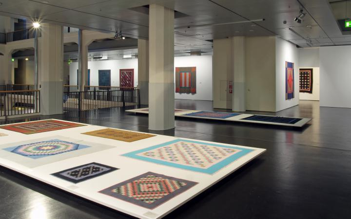 "Exhibition view ""Diamonds and Bars"""
