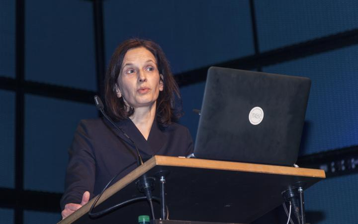 Nathalie Bredella bei ihrem Vortrag im Rahmen des Frei Otto Symposiums