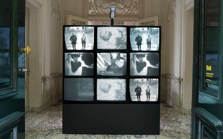 View of an installation with nine tv screens: »Wipe Cycle« by  Frank Gillette and Ira Schneider