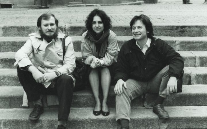 Zu sehen sind Miro A. Cimerman, Dunja Donassy-Bonačić und Vladimir Bonačić, in Paris, 1984