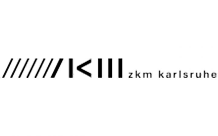 """Schriftzug """"zkm karlsruhe"""" und die stilisierten Buchstaben Z K M als schwarze Striche"""