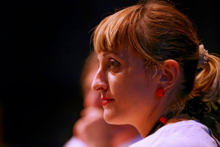 Kopf einer Frau: Porträt von Pinar Yoldas