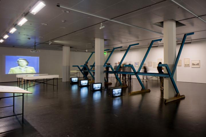View of the exhibition »Centerbeam. A Performative Sculpture by CAVS«