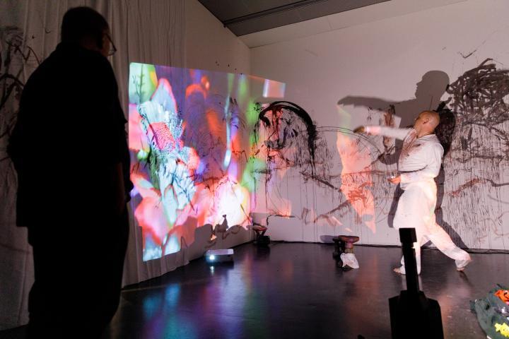 Blick in die Ausstellung »Digital Imaginaries – Africas in Production«