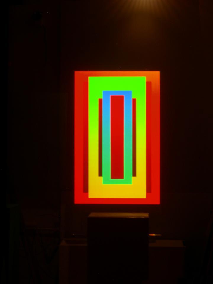 Die Installation Red in Green in Blue #3 von Dieter Jung aus dem Jahr 2011.