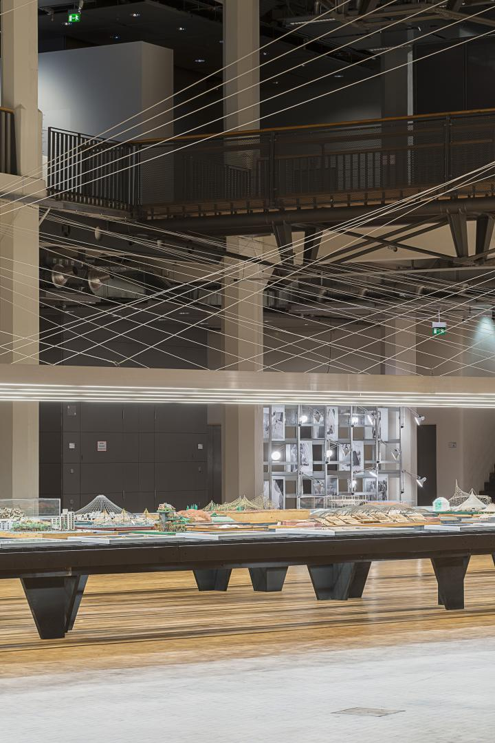 View into the Frei Otto exhibition: An extra long table with models by Frei Otto
