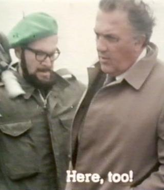 Gideon Bachmann (links) versucht Federico Fellini während Dreharbeiten aufzunehmen.