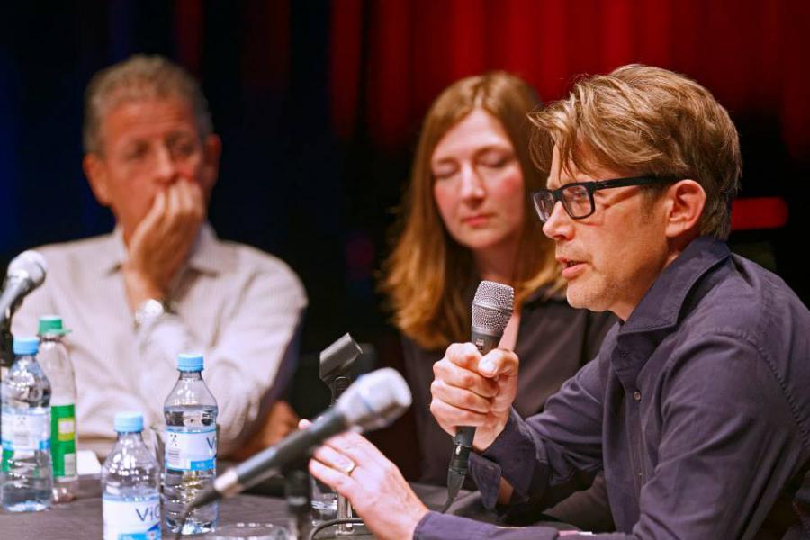 Rainer Guldin, Steffi Winkler und Nils Röller am Mikrofon