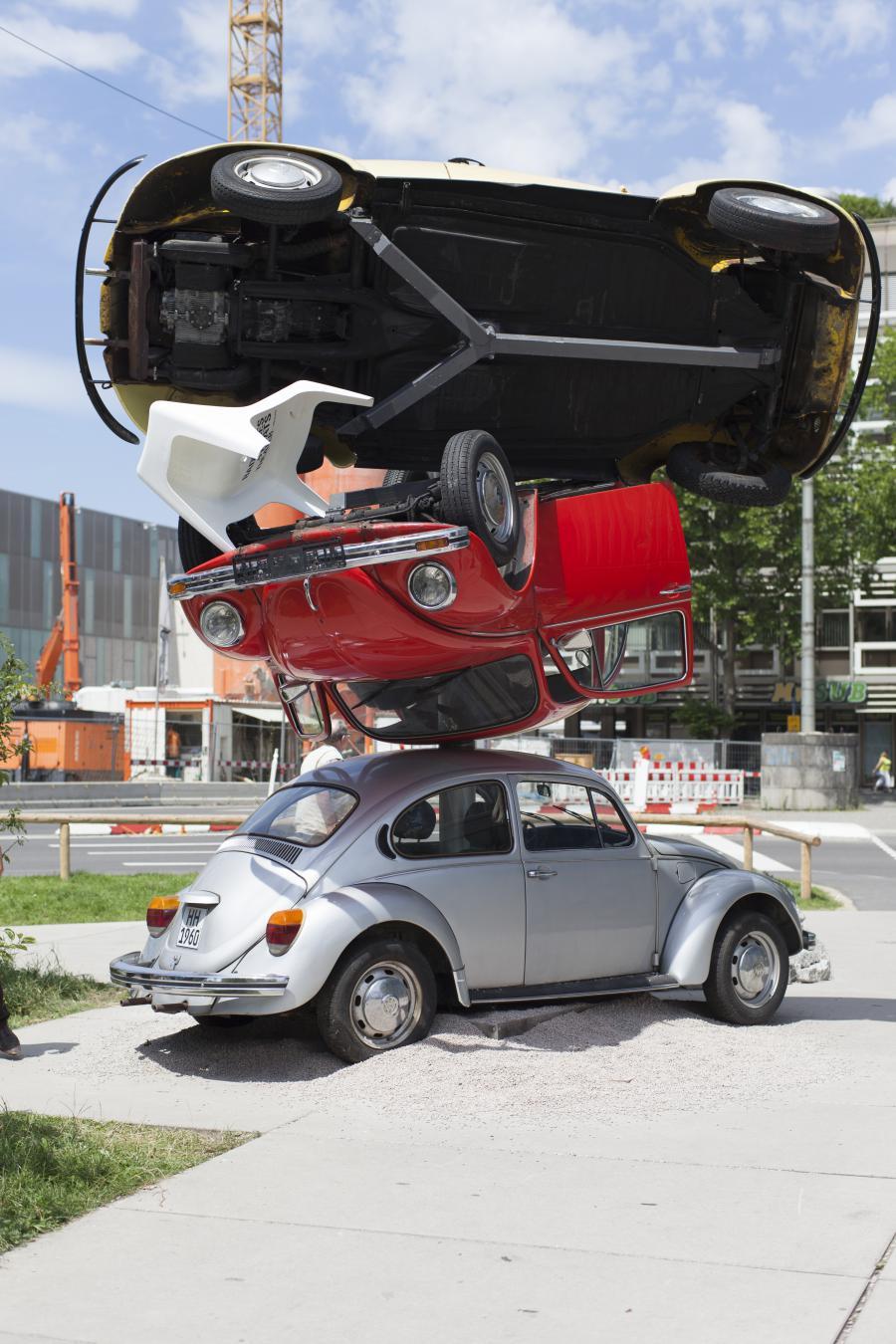 Übereinander gestapelte VW-Käfer