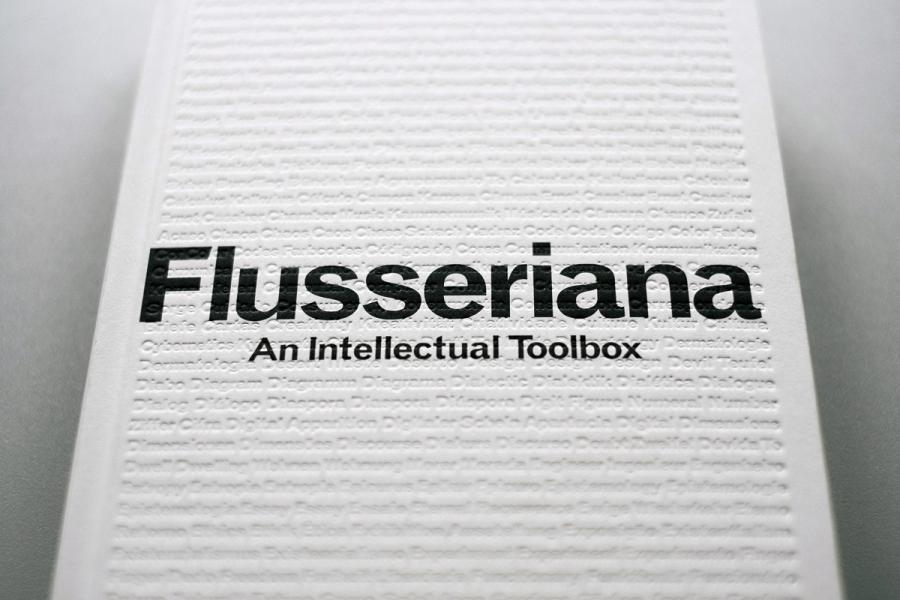 Cover of publication »Flusseriana«: Black letters on a white background