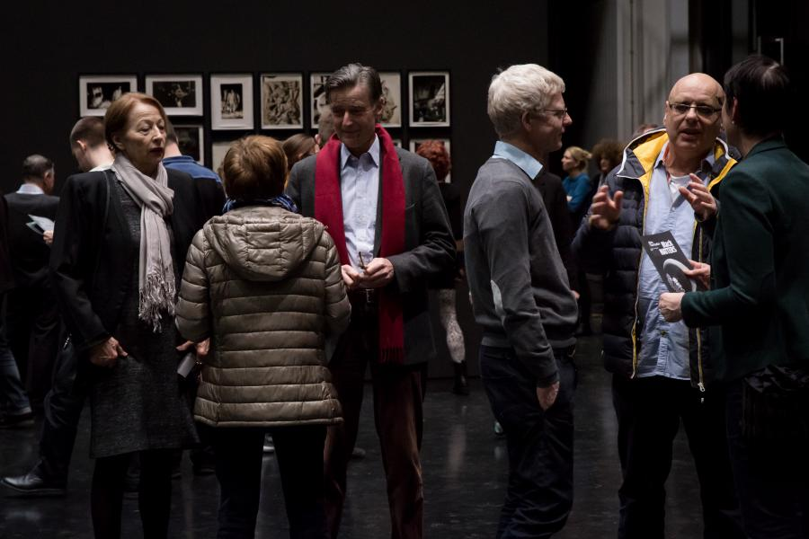 The photo shows the amount of visitors at the exhibition opening