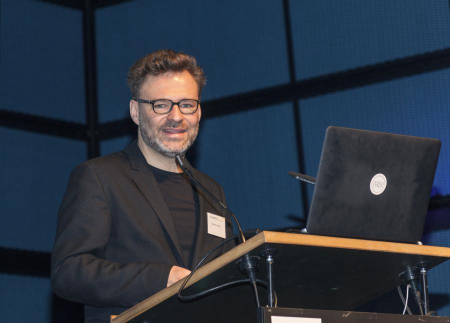 Martin Kunz during his presentation at the Frei Otto Symposium