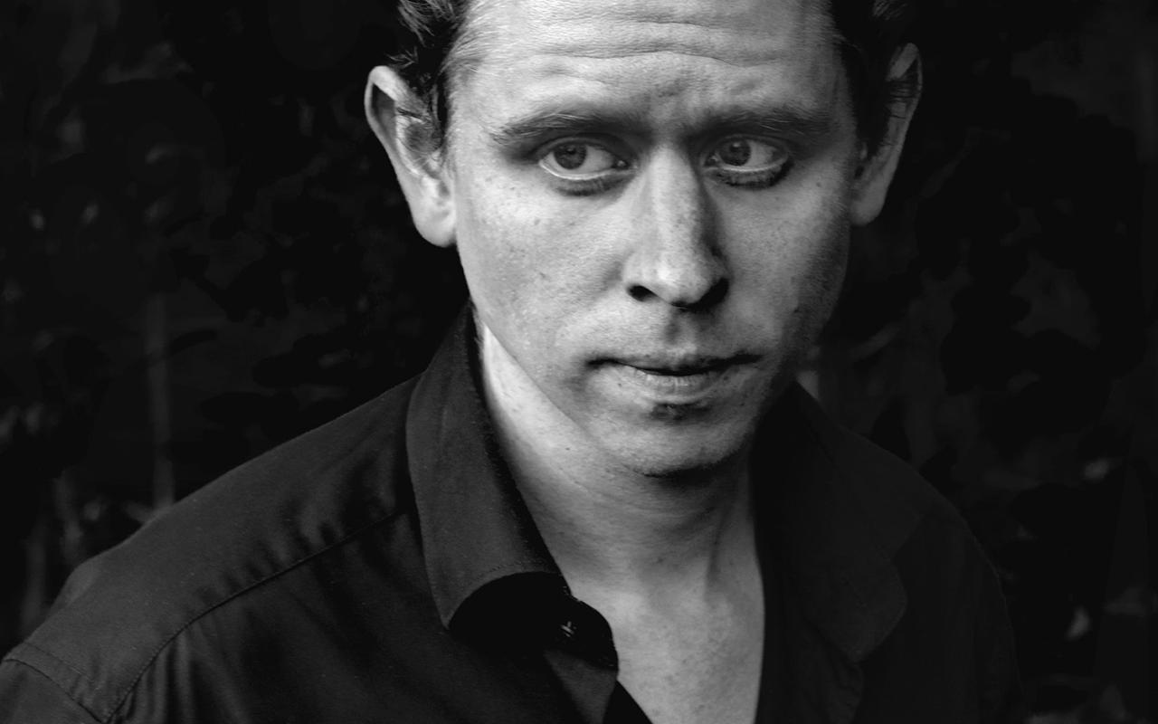 Schwarz-weiß Porträt eines Manes