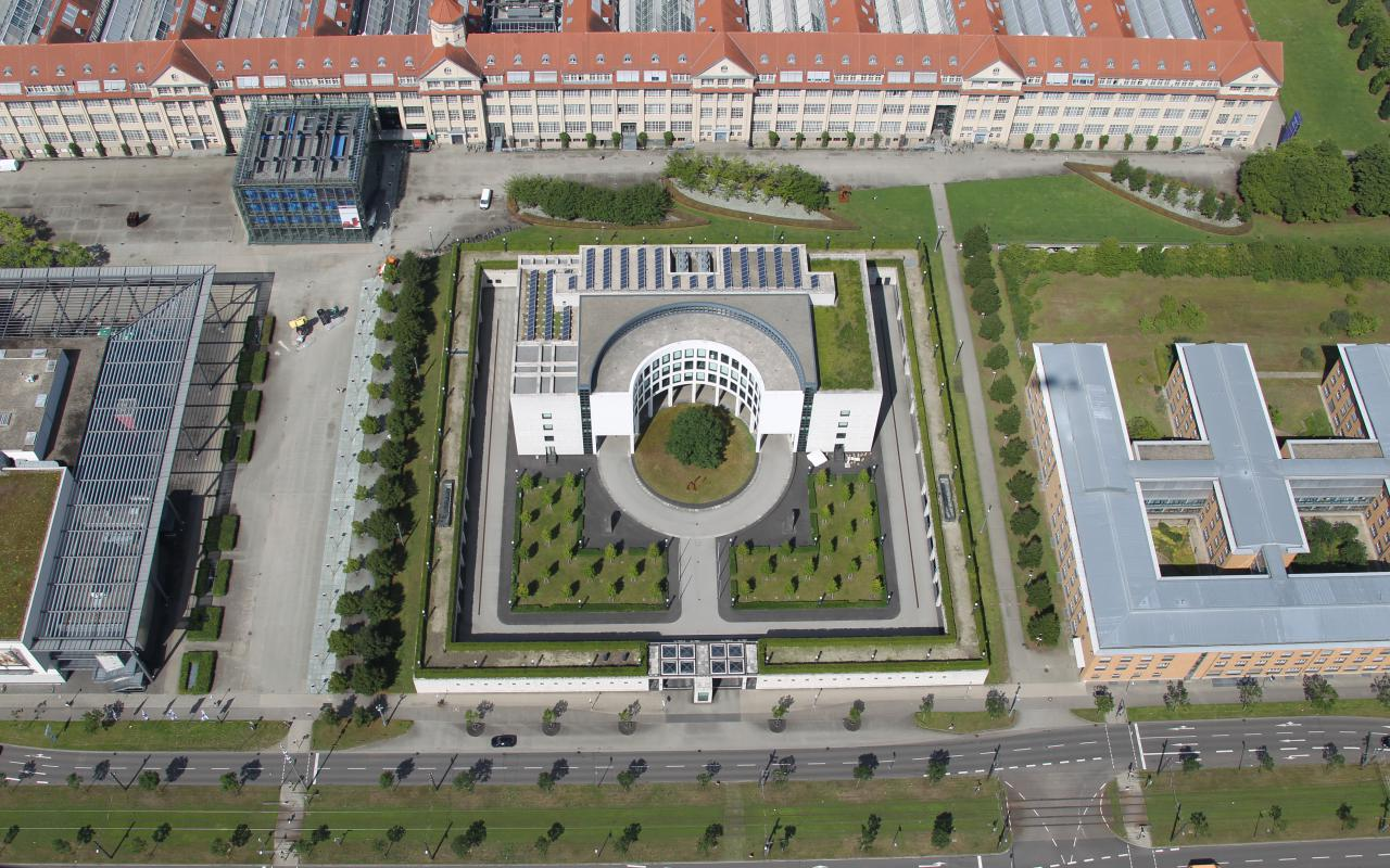 The photo shows the bird's eye view of the building of the General Prosecutor's Office in Karlsruhe.
